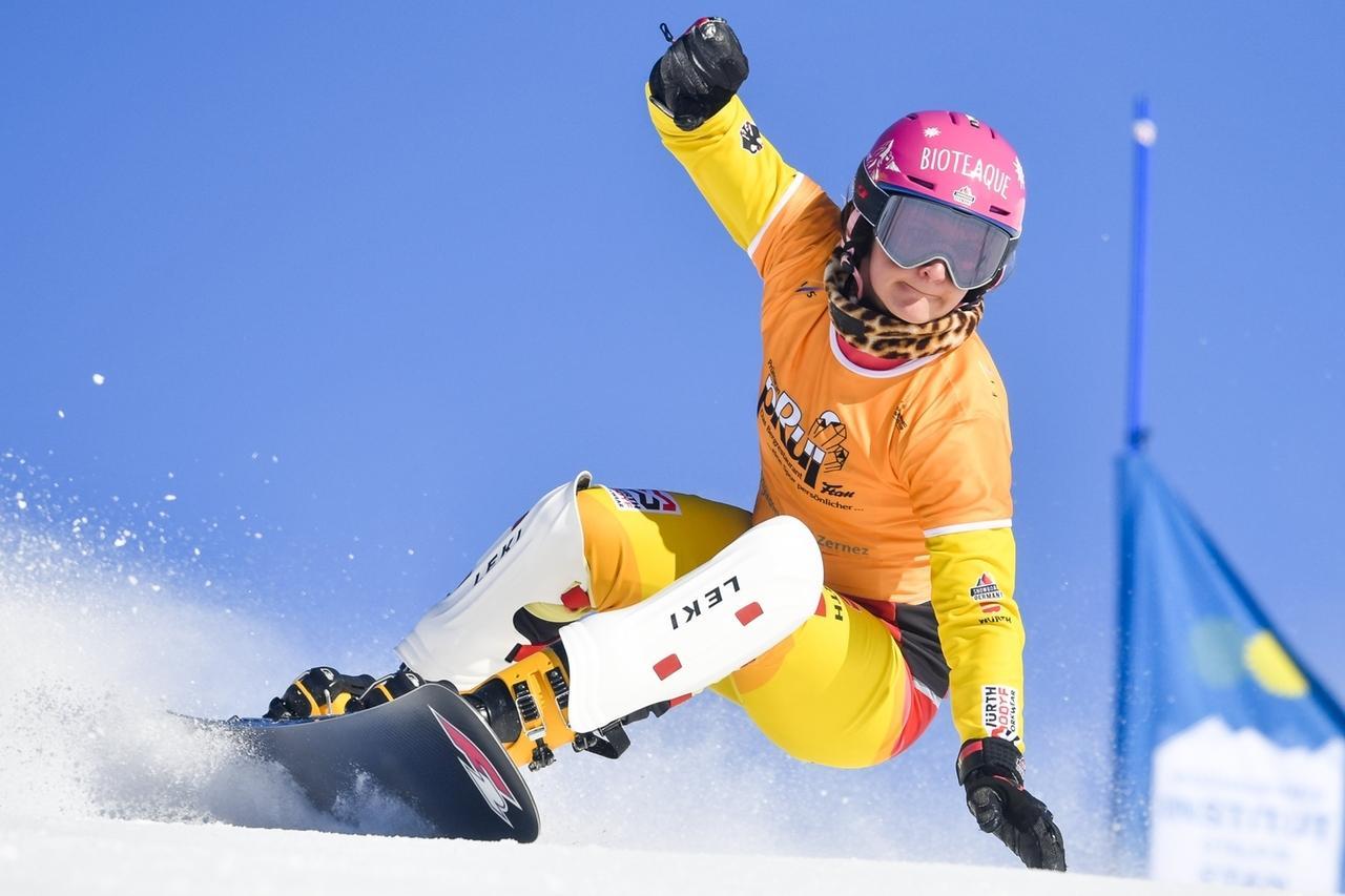 Schweiz, Scuol: Snowboard: Weltcup, Parallel-Riesenslalom, Damen, Qualifikation. Ramona Hofmeister aus Deutschland in Aktion.