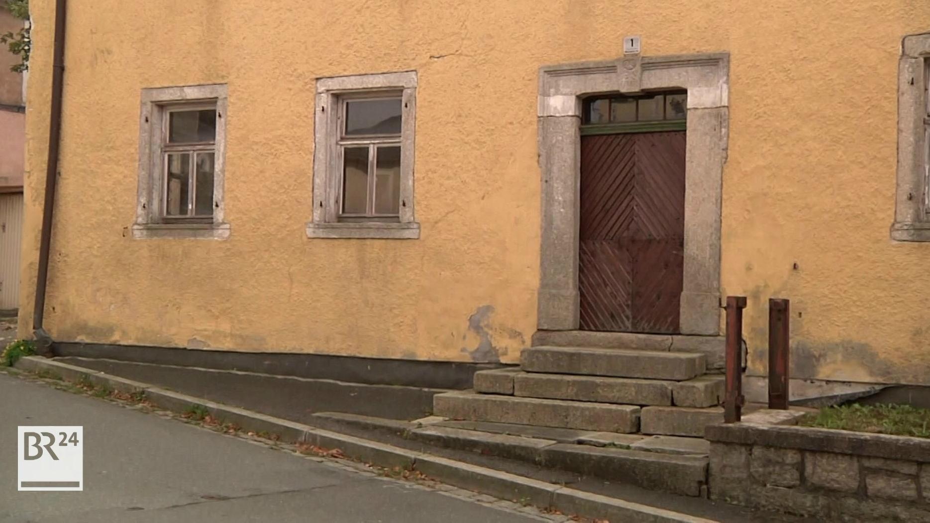 Denkmalgeschutztes Haus In Sparneck Wird Saniert Br24