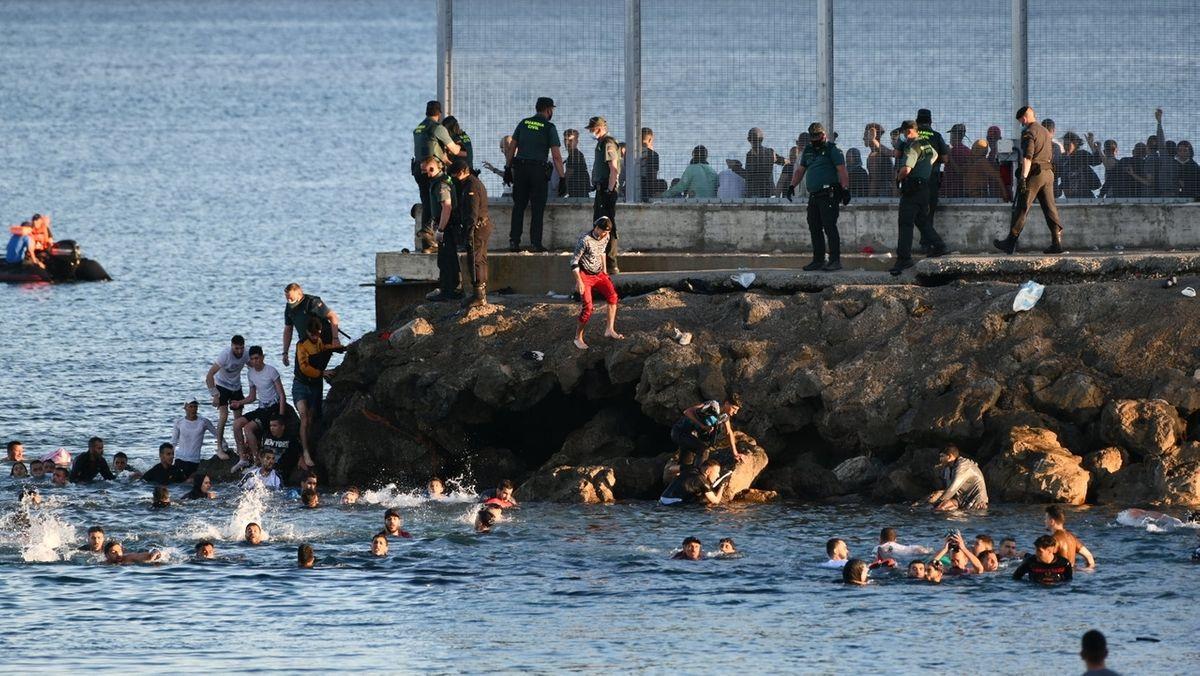Migranten erreichen Ceuta