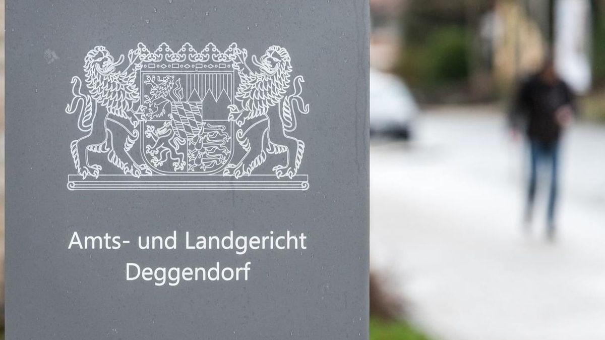 Callcenter-Betrug: Kurierfahrer zu zweieinhalb Jahren verurteilt