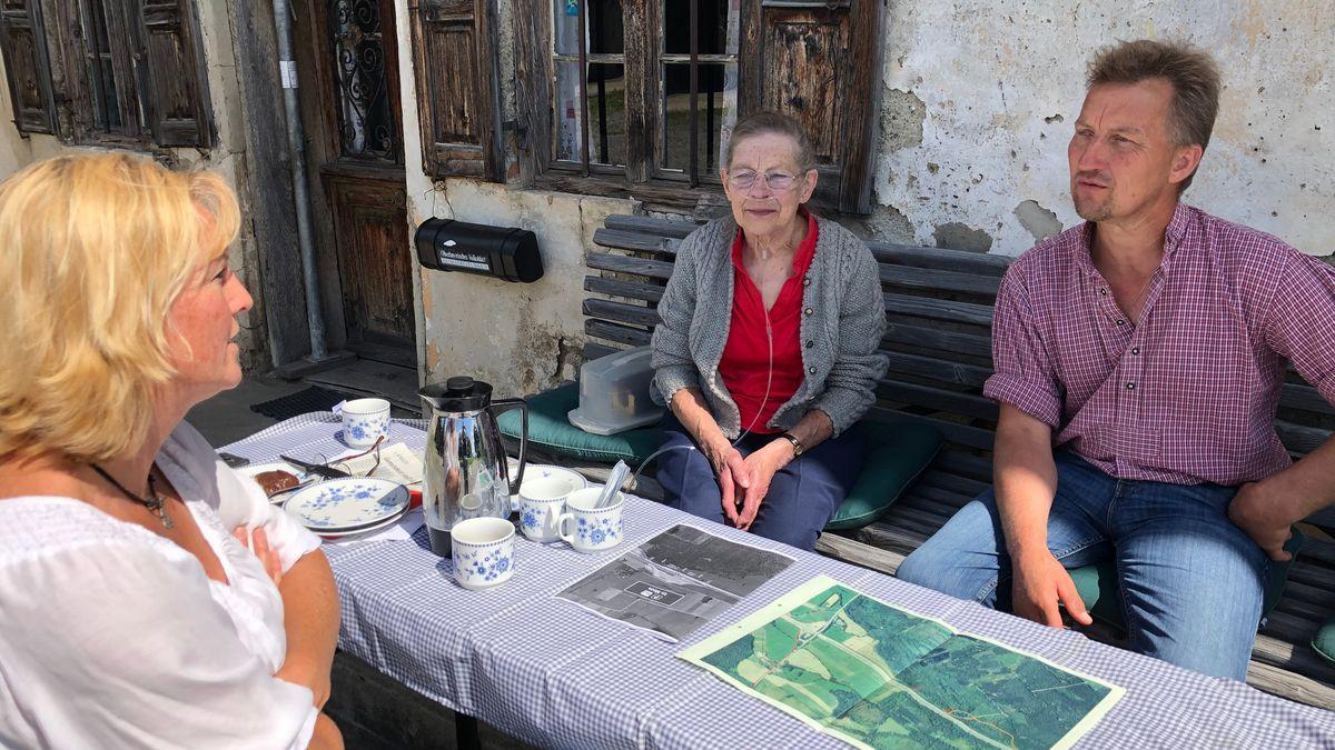 Anna Gigl (Mitte) kämpft nicht alleine gegen die geplante Stellplatzerweiterung.