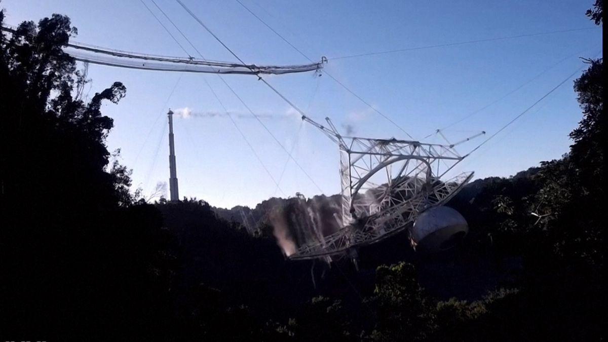 Das zeitweise größte Radioteleskop der Welt in Puerto Rico ist zusammengebrochen.