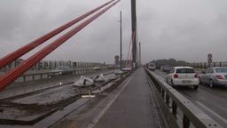 Brücke auf der Autos fahren   Bild:BR