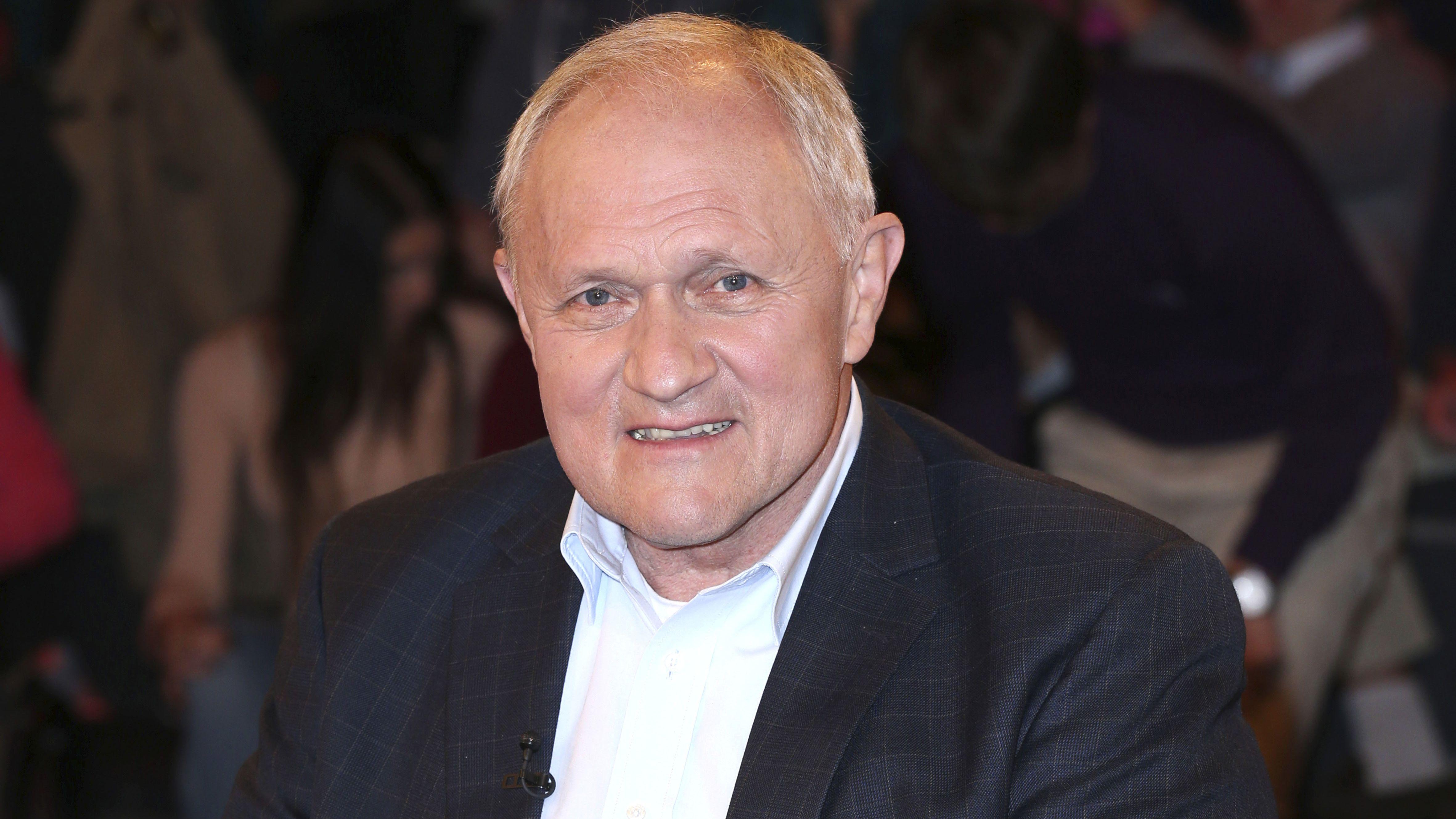 """Der ehemalige Präsident des Deutschen Lehrerverbandes, Josef Kraus, bezeichnet die Schülerproteste als """"Affenzirkus der Generation Schneeflocke"""""""