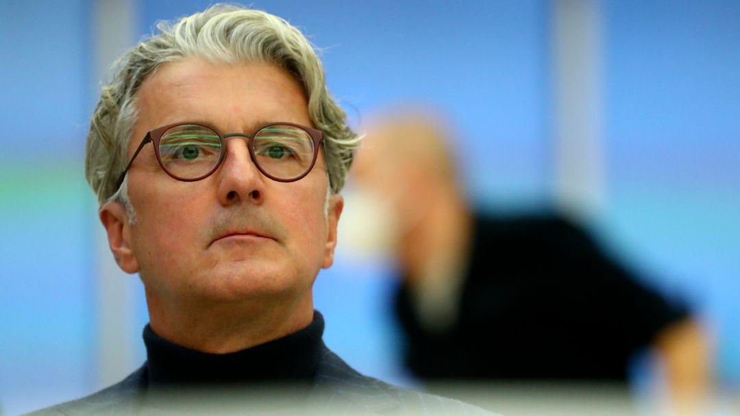 Rupert Stadler, ehemalige Vorstandsvorsitzender der Audi AG, sitzt im Gerichtssaal im Landgericht München.