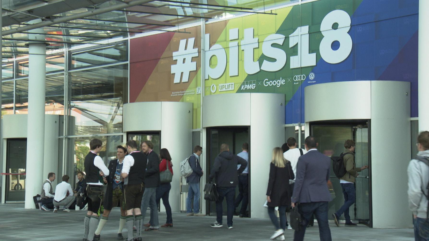 Eingang der Messe #bits18