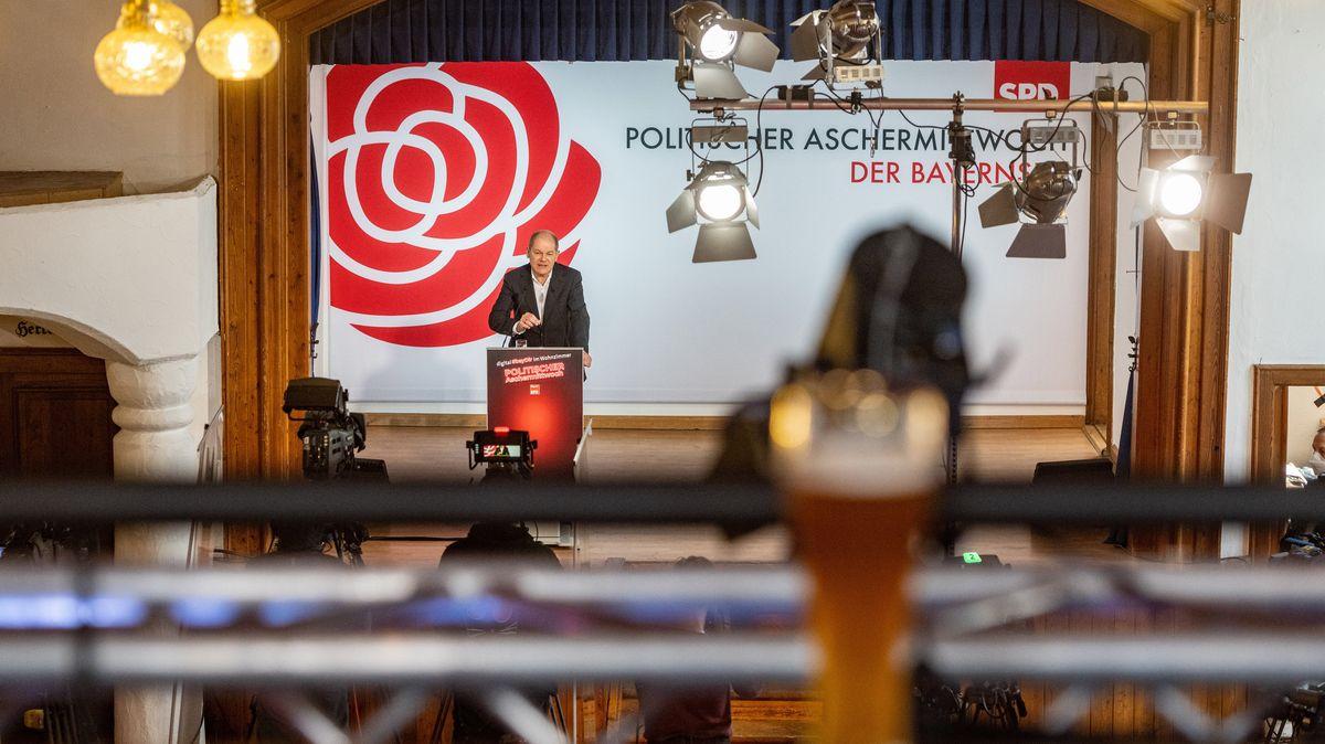 Der SPD-Kanzlerkandidat Olaf Scholz spricht beim Politischen Aschermittwoch seiner Partei.