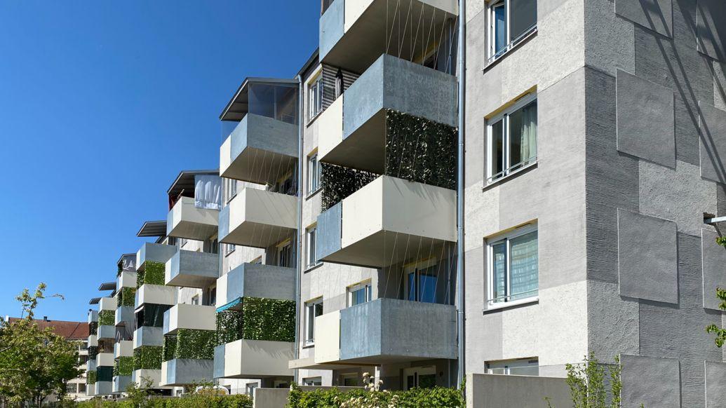 Mietshäuser in der Schmalkaldener Straße in München.
