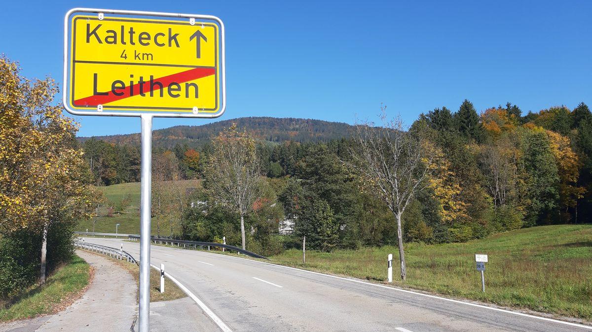 Die kurvige Bergstrecke im Bayerischen Wald bei Kalteck