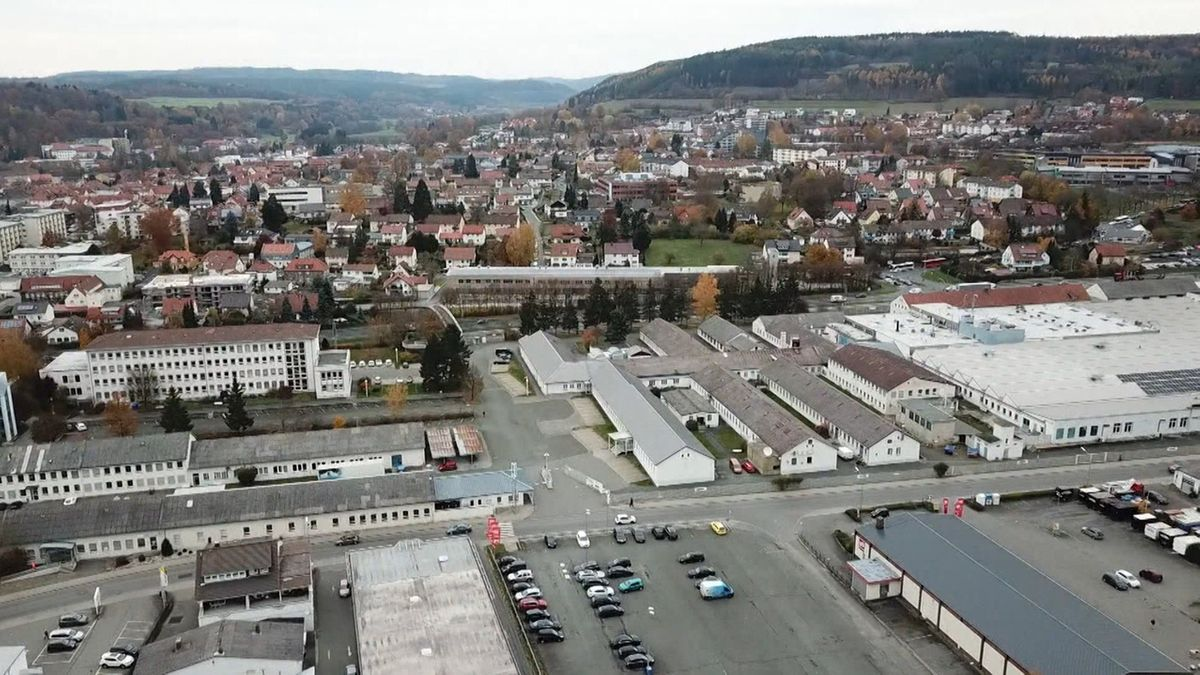 Luftaufnahme des Loewe-Standorts in Kronach.