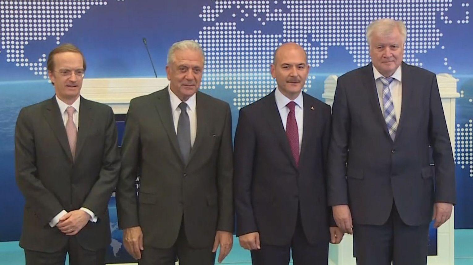 Seehofer-Treffen zu Flüchtlingspakt
