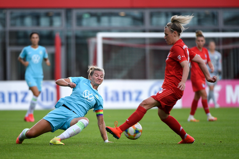 Spielszene FC-Bayern-Frauen - VfL Wolfsburg aus der Saison 2019/20