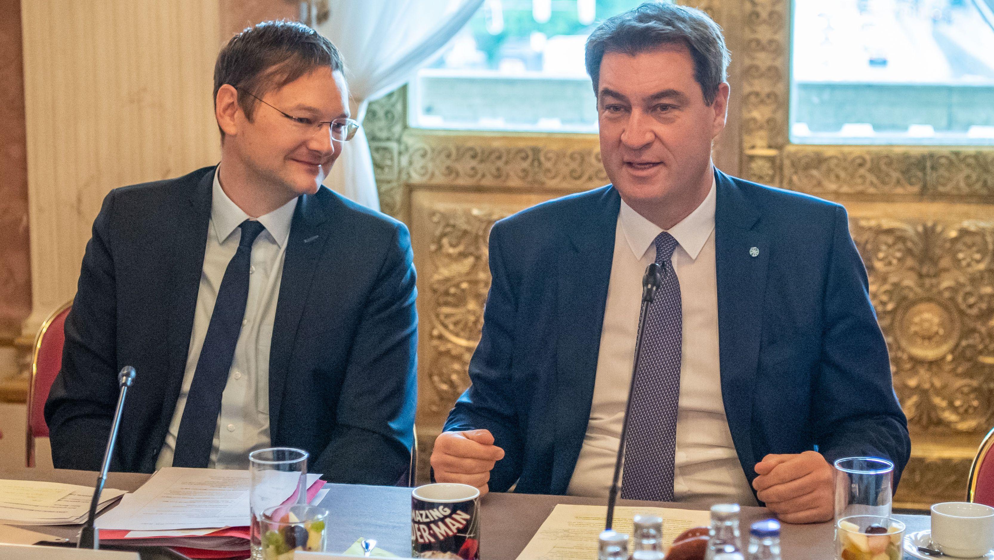 Söder weist Rücktrittsforderungen an Reichhart zurück