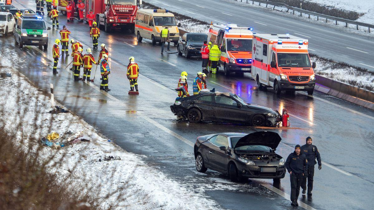 Unfall auf der A8 (Symbolbild)