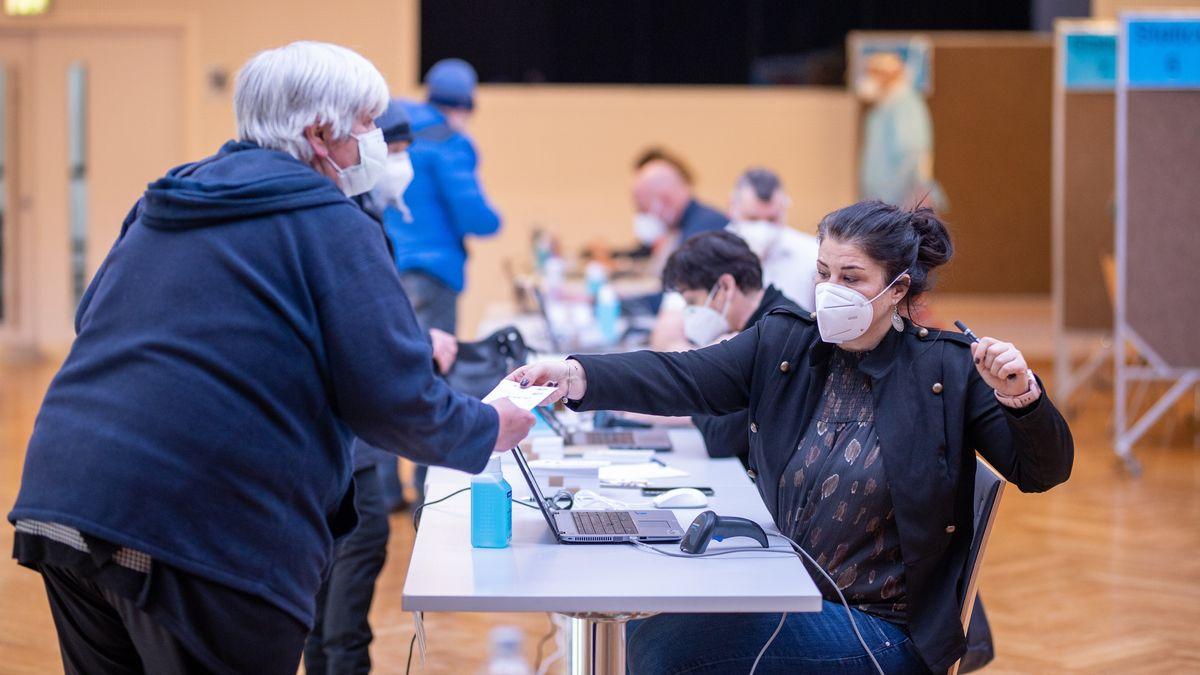 Anmeldung zum Testabgabe während PCR-Testungen im Bezirk Kitzbühel nach Mutations-Verdachtsfällen in Jochberg
