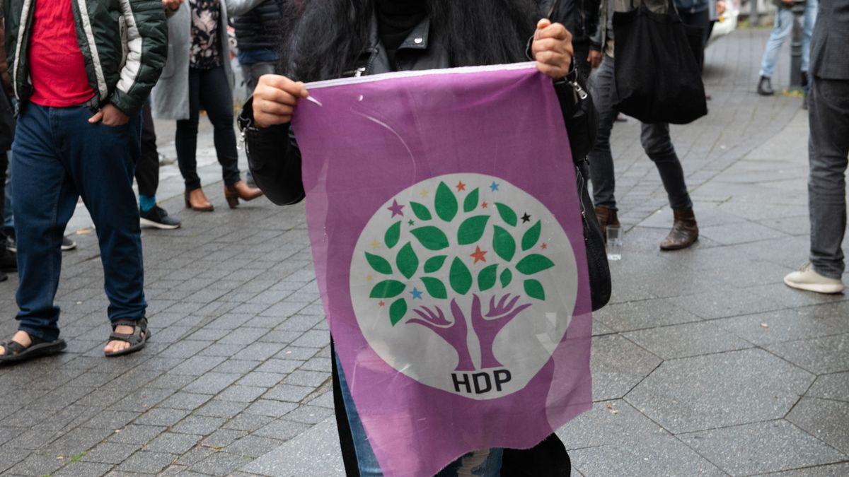 Archivbild: HDP-Fahne
