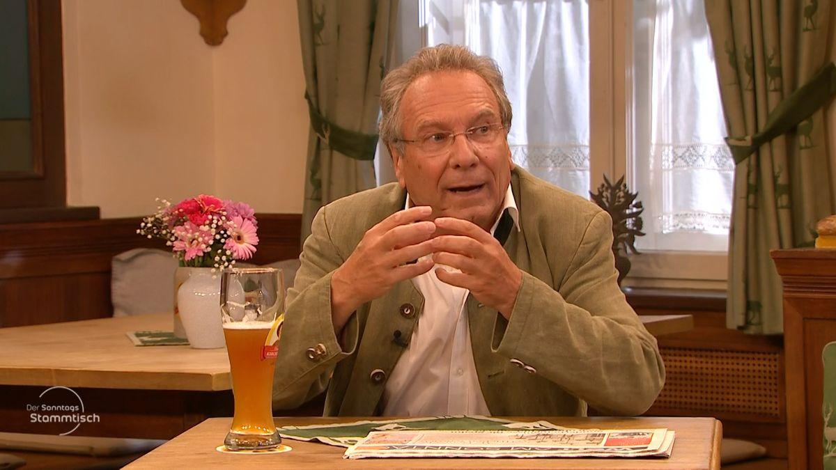 """Klaus Ernst beim """"Sonntags-Stammtisch"""" im BR Fernsehen."""