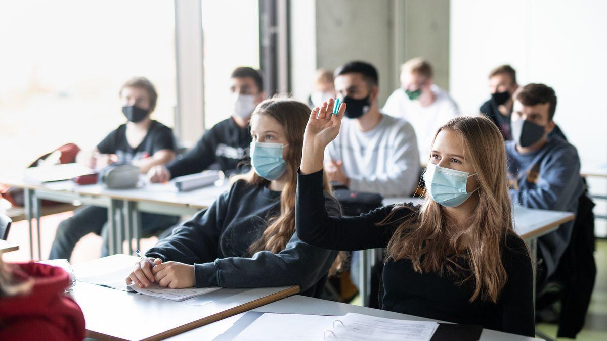 Unterricht mit Maske (Symbolbild)