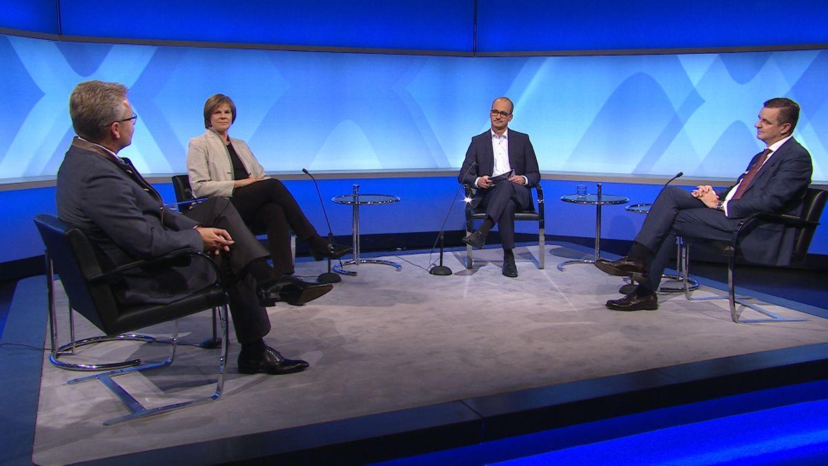 Prof. Ulrike Protzer, Prof. Oliver Keppler und Prof. Clemens Wendtner im Gespräch mit BR-Chefredakteur Christian Nitsche