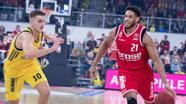 Bamberg's Augustine Rubit (21) vs. Berlin's Tim Schneider (10). | Bild:picture alliance / NurPhoto