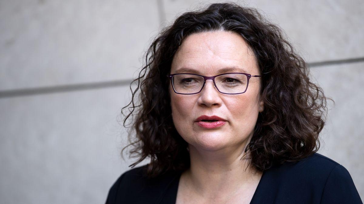 Andrea Nahles, bisherige Vorsitzende der SPD, verlässt nach Ihrem Rücktritt vom Parteivorsitz die SPD-Parteizentrale, das Willy-Brandt-Haus.