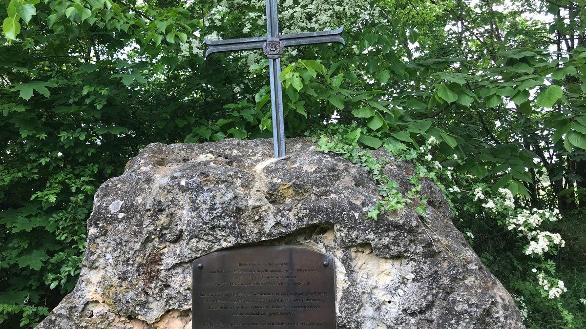 Gedenkstein auf dem Galgenberg.