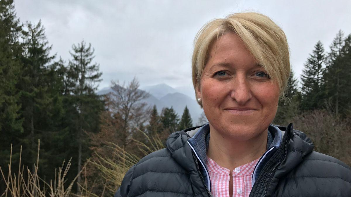 Hüttenwirtin Michaela Durach freut sich, bald wieder Gäste auf ihrer Lenggrieser Hütte bewirten zu können.