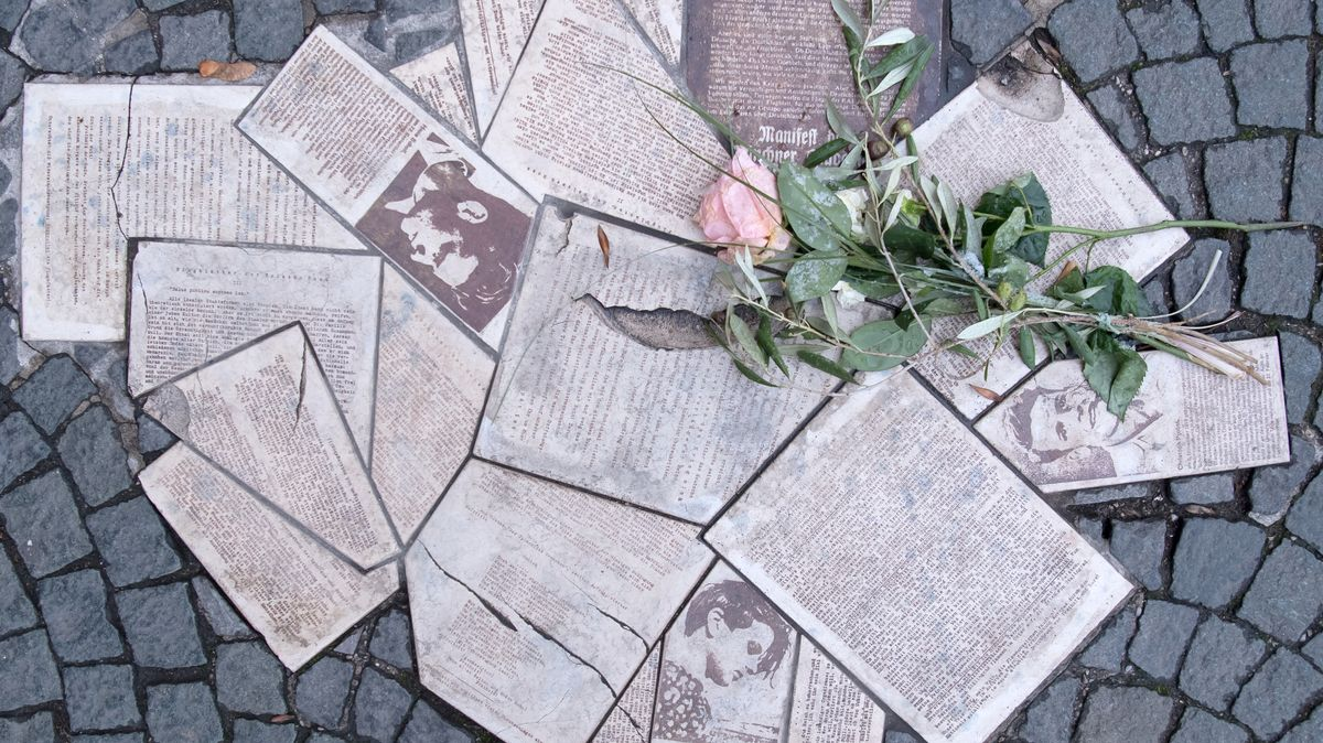 Flugblätter der weißen Rose als Mahnmal