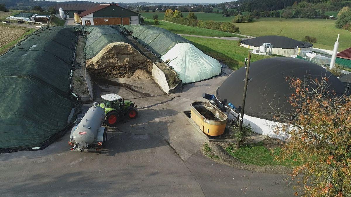 Fahrsilo und Biogasanlage der Familie Jekle in Edelstetten