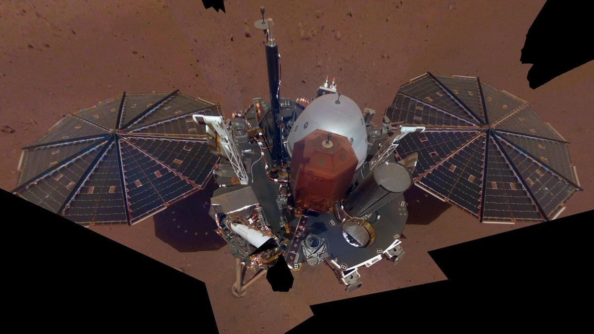 """Erstes """"Selfie"""" von Mars-Sonde Insight"""