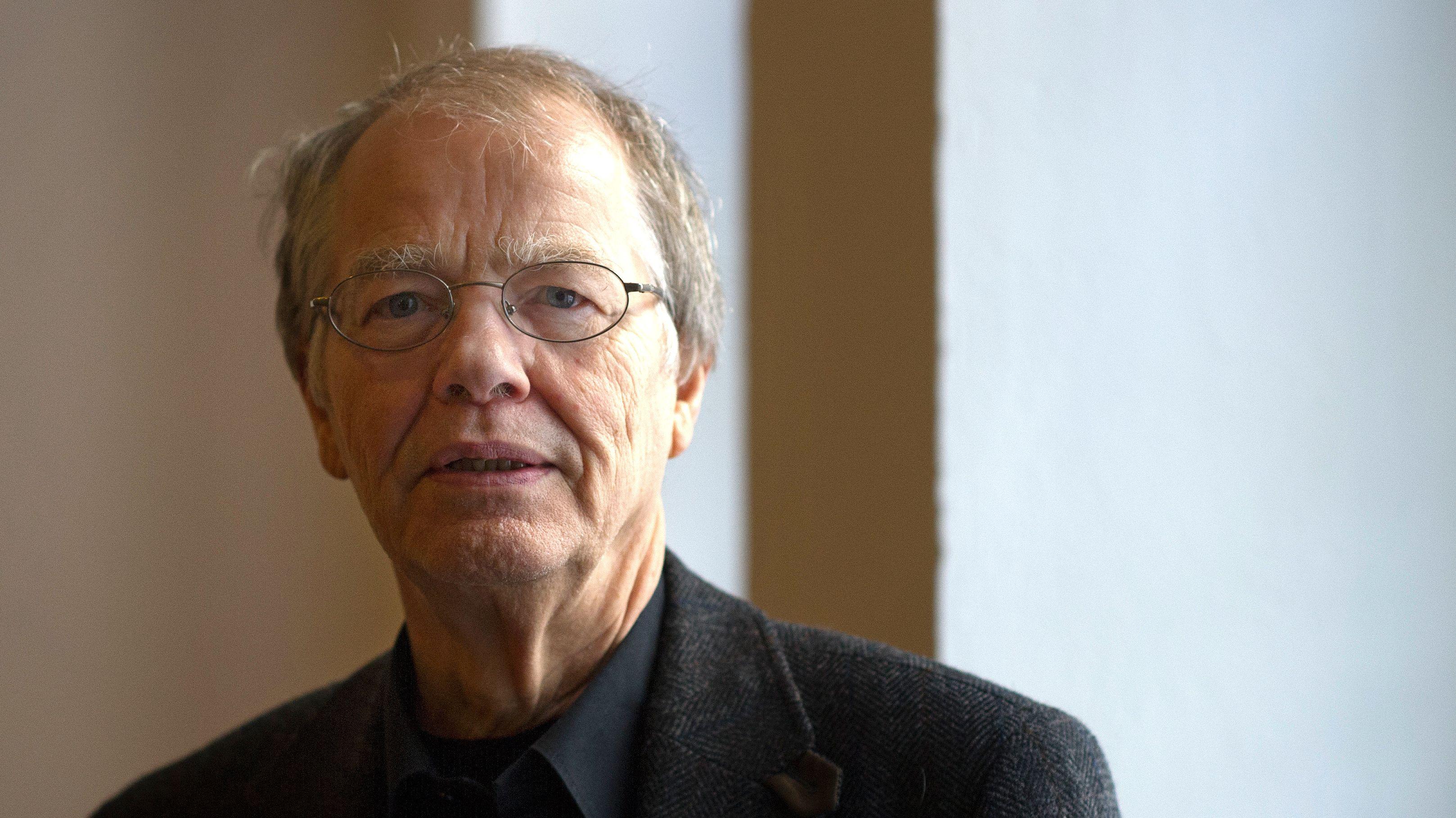 Volker Braun 2012 bei der Bekanntgabe der Preisträger des Kunstpreises der Landeshauptstadt Dresden im Kulturrathaus in Dresden.