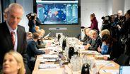 Der Krisenstab der Bundesregierung kommt zu seiner Sitzung zusammen, um über weitere Vorkehrungen gegen das neue Coronavirus Sars-CoV-2 zu beraten. | Bild:picture alliance/Kay Nietfeld/dpa