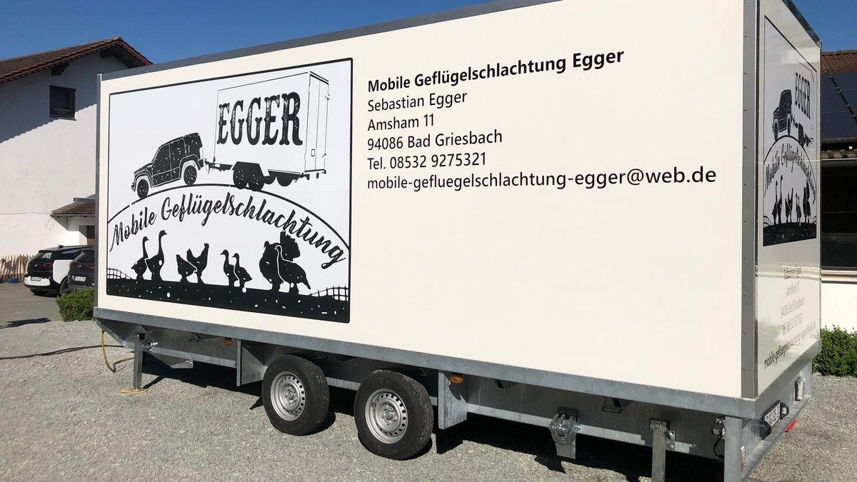 Die Mobile Geflügelschlachtung der Familie Egger