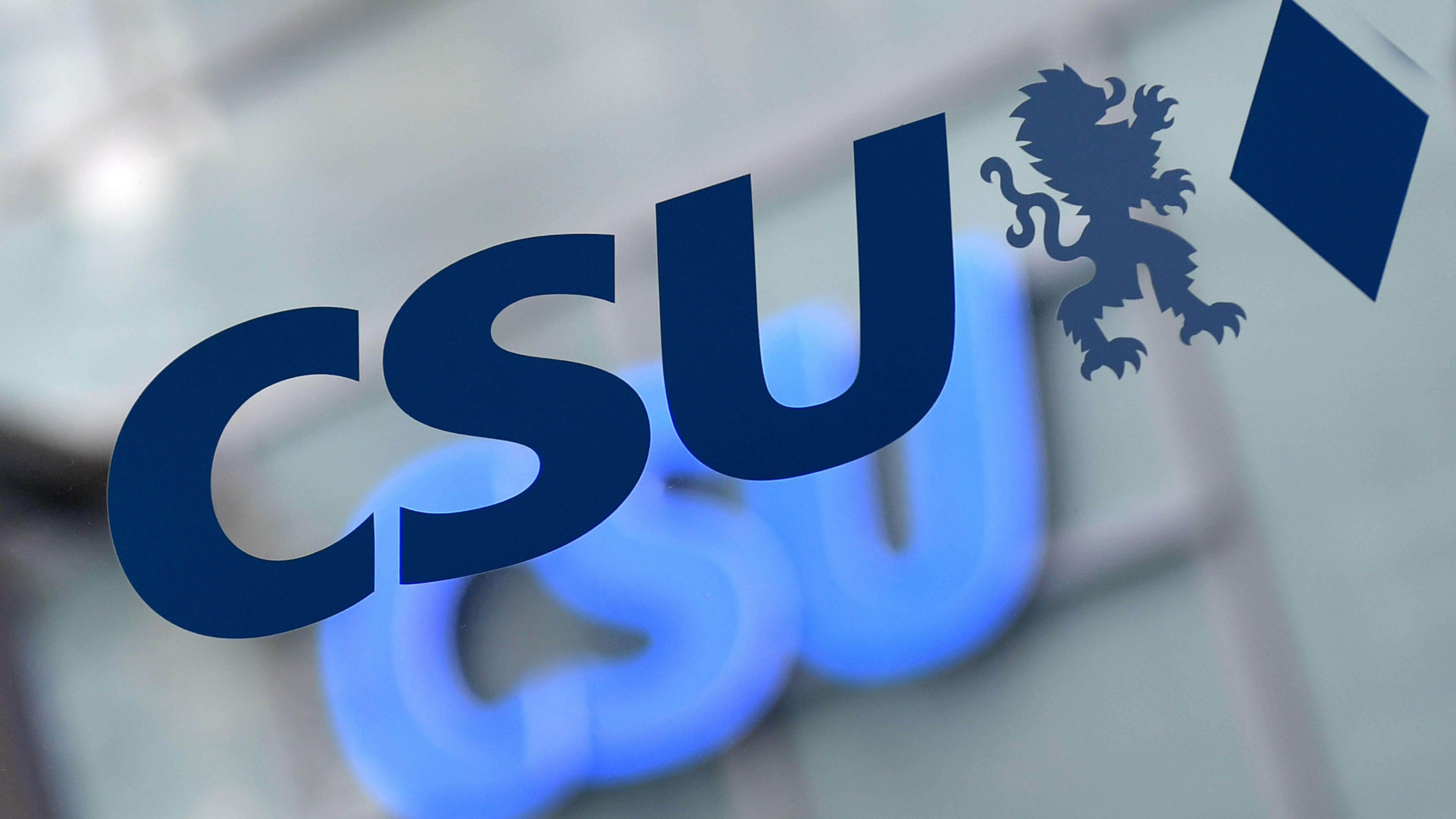 Die CSU in Regensburg lässt ihre Mitglieder darüber abstimmen, wer die Partei in den Oberbürgermeister-Wahlkampf im kommenden Jahr führen soll.