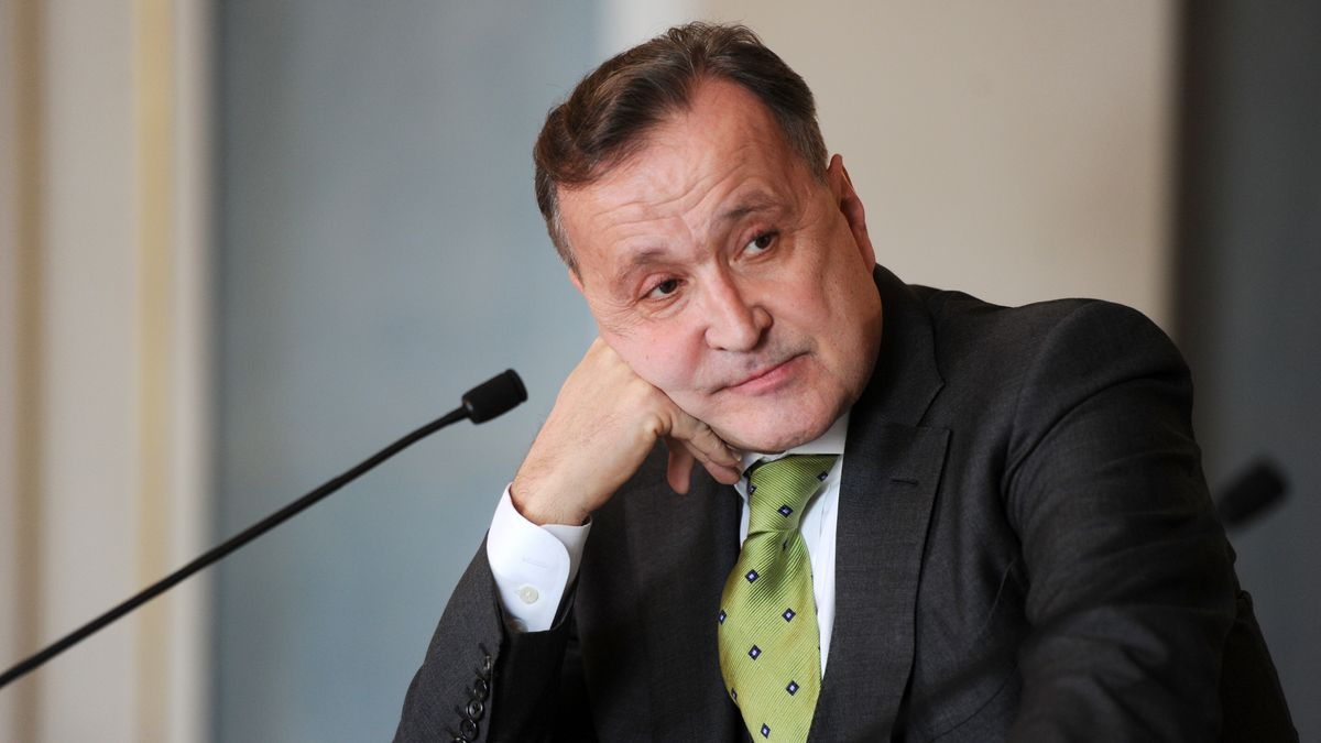 Staatsoper-Intendant Nikolaus Bachler am Mikrofon