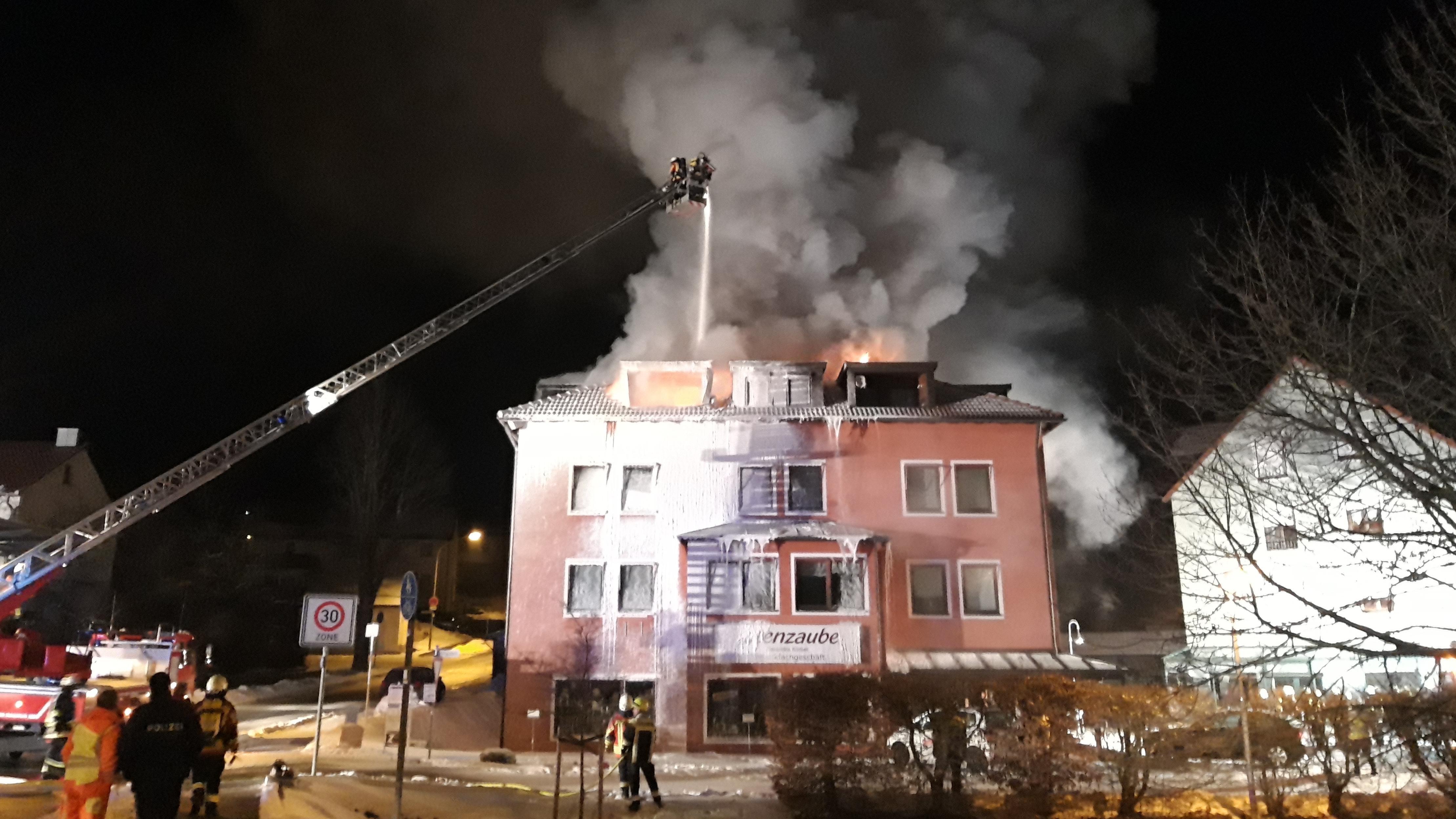 Dachstuhlbrand in einem Wohn- und Geschäftshaus in Pegnitz im Landkreis Bayreuth