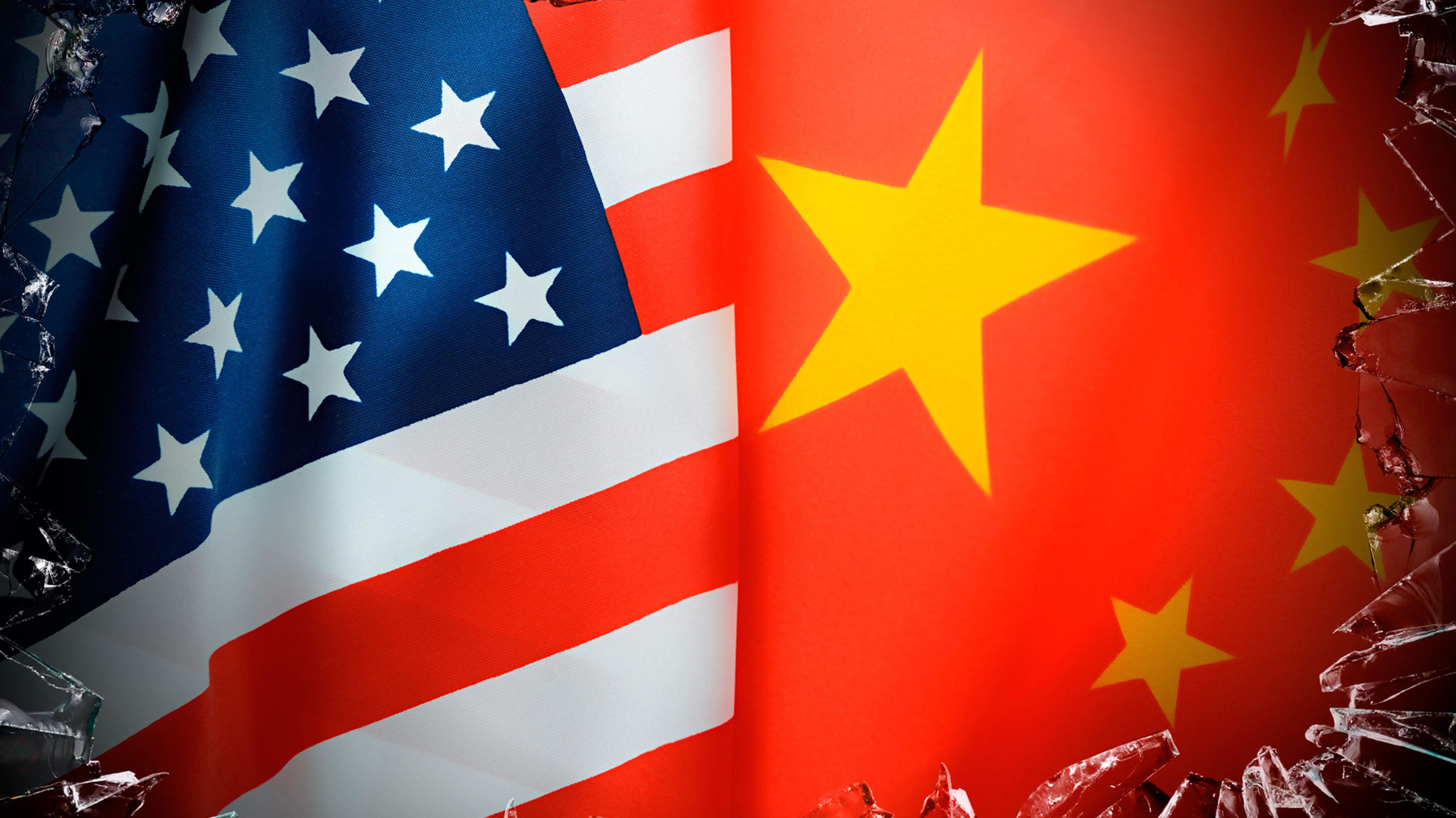 Amerikanische und chinesische Flaggen (Symbolbild)