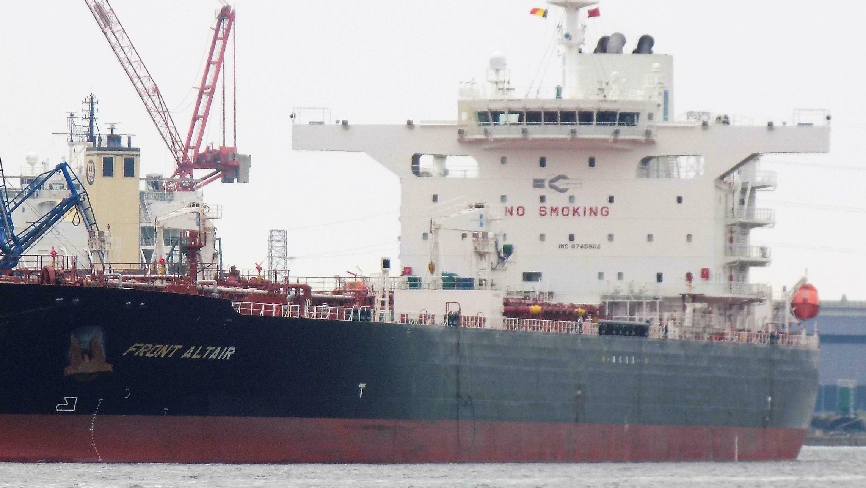 """Der Öltanker """"Front Altair"""" im Mai 2018 im Hafen von Antwerpen"""