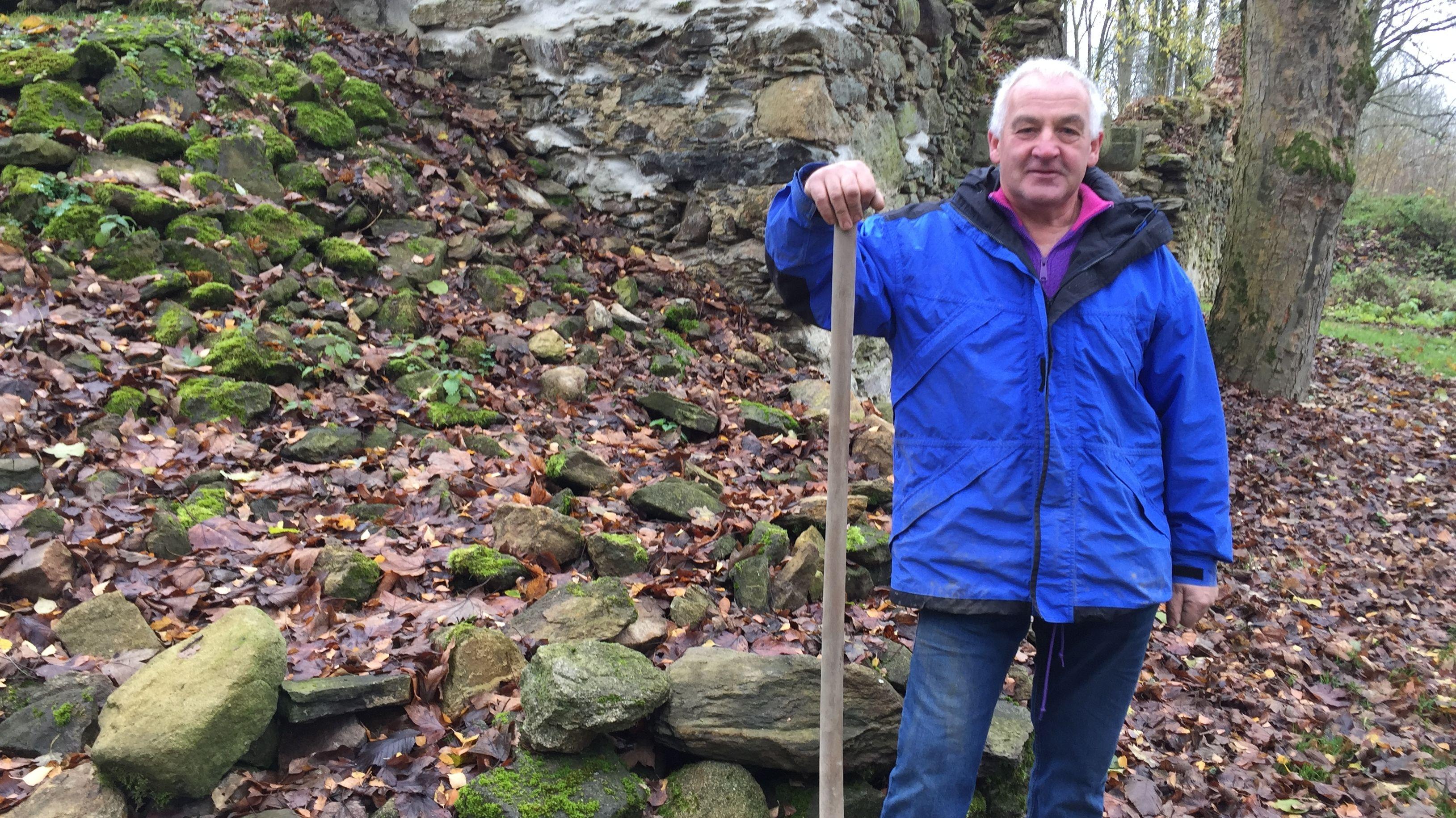 Helmut Roith gräbt seit Jahren ehrenamtlich jedes Wochenende in Grafenried.