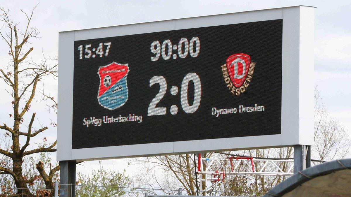 Anzeigentafel: 2:0-Sieg SpVgg Unterhaching - Dynamo Dresden