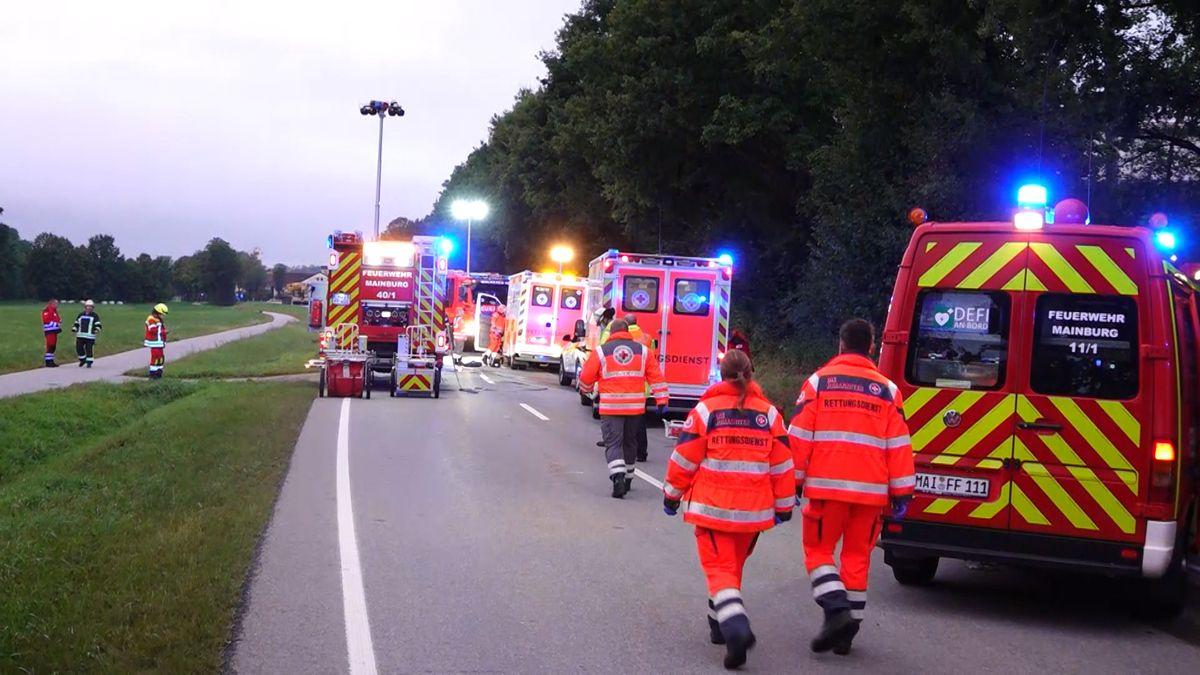 Die Einsatzkräfte am Unfallort