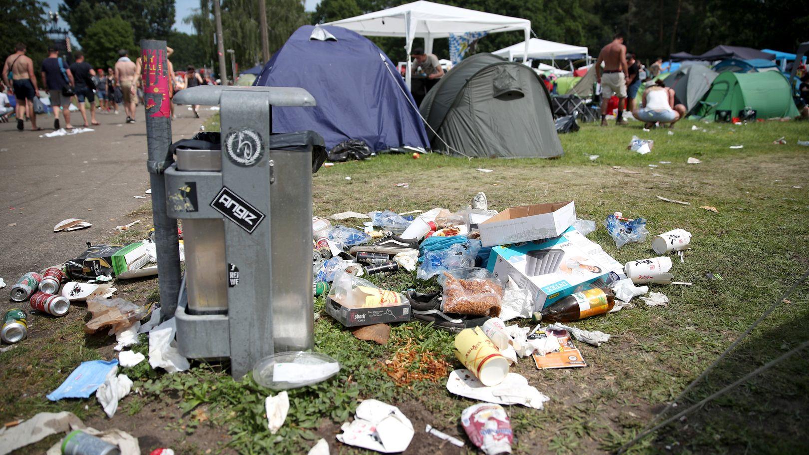 Was haben Zelte, leere Bierdosen und Sofas gemeinsam? Sie werden bei Open Air Festivals gerne liegen gelassen.