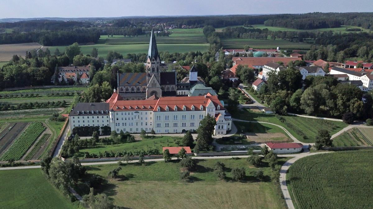 Das Kloster St. Ottilien im oberbayerischen Eresing.