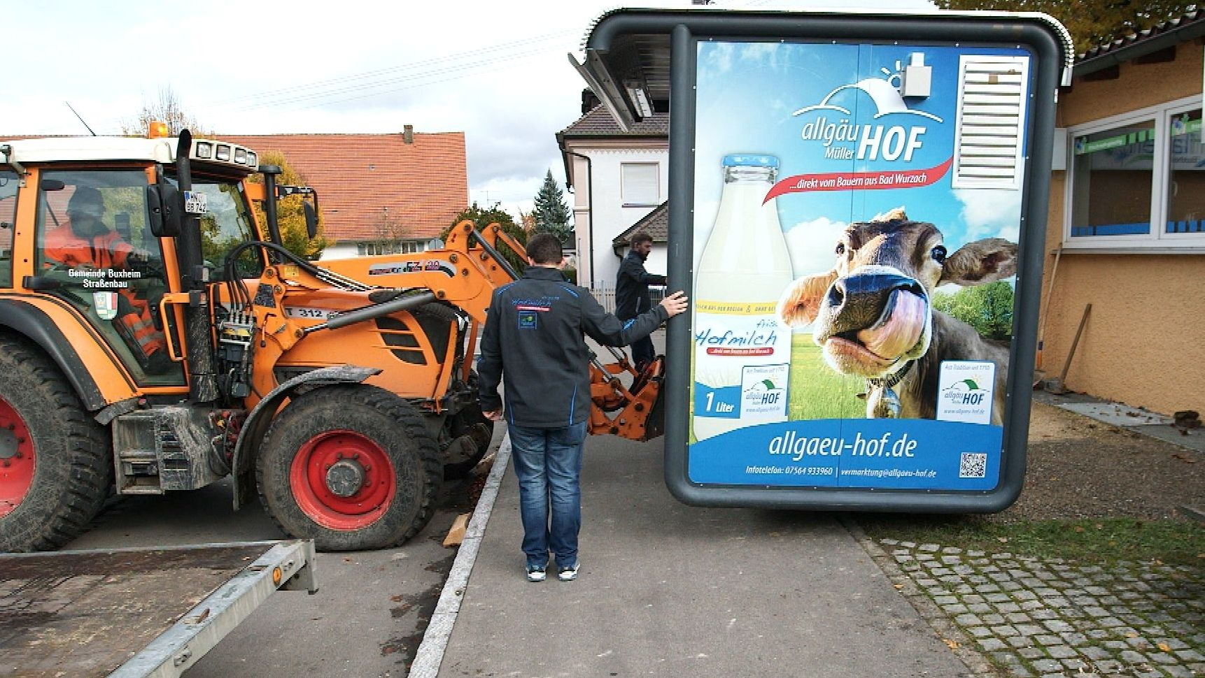 Milchautomat bei Bad Wurzbach wird aufgestellt