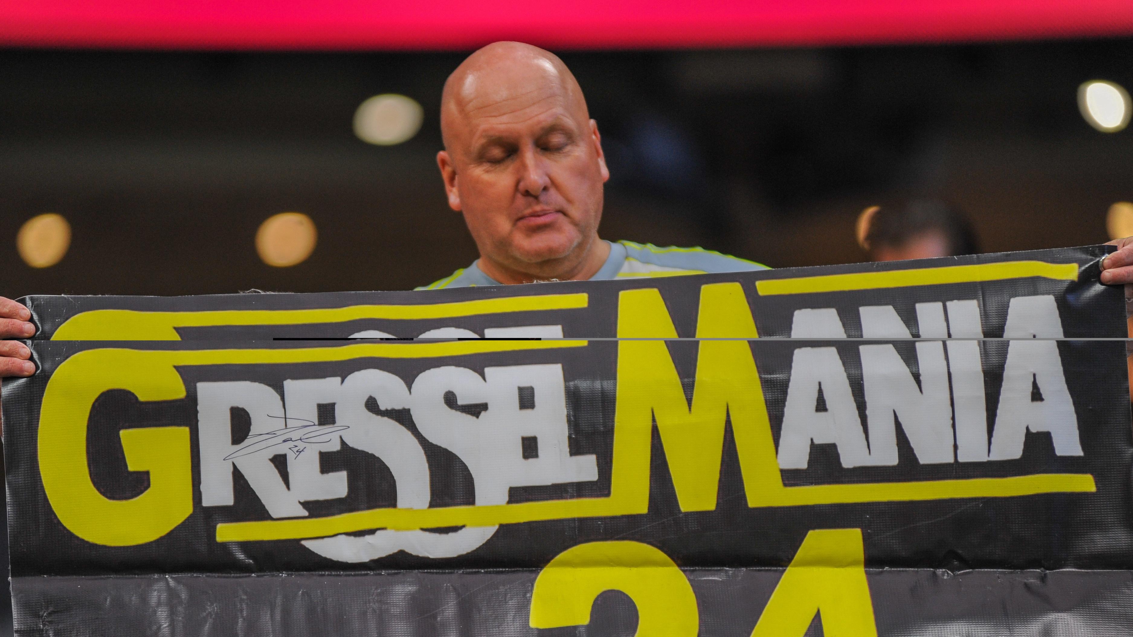 """Gressel-Fan: """"Gressel Mania"""" ist eine Anspielung auf das US-amerikansiche Profiringen und dessen Topevent """"Wrestle Mania""""."""