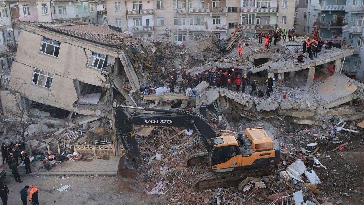 Schweres Erdbeben in der Osttürkei
