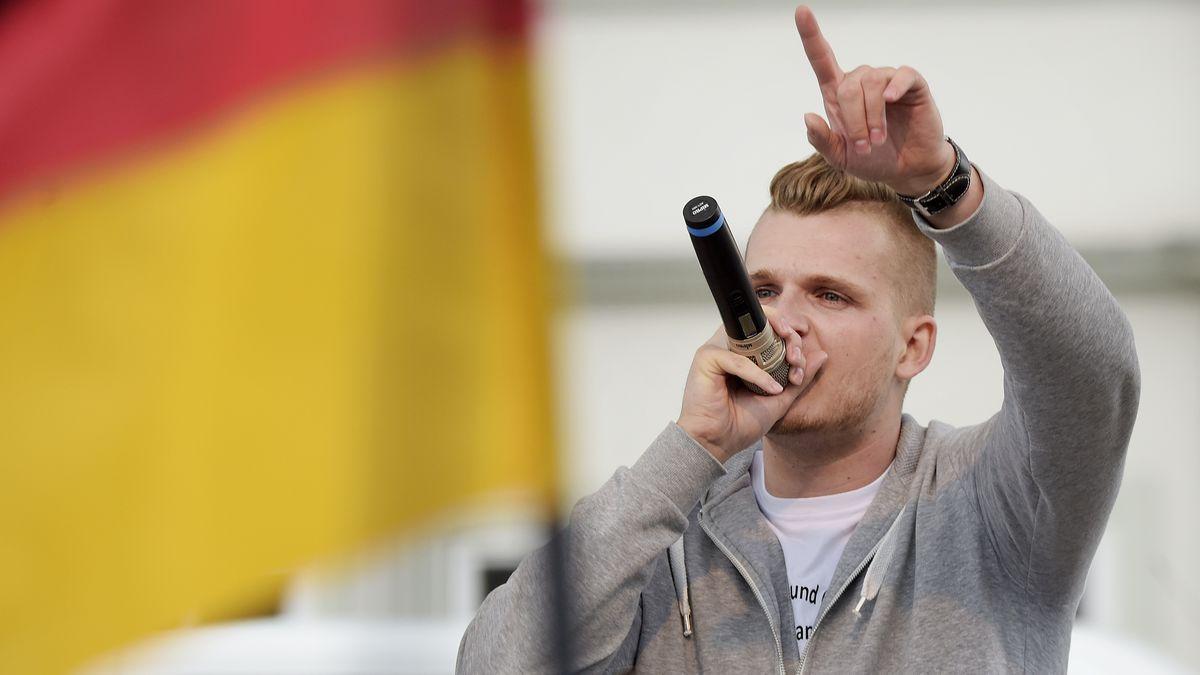 Rapper Chris Ares bei einem Auftritt im Jahr 2016 in Erfurt.