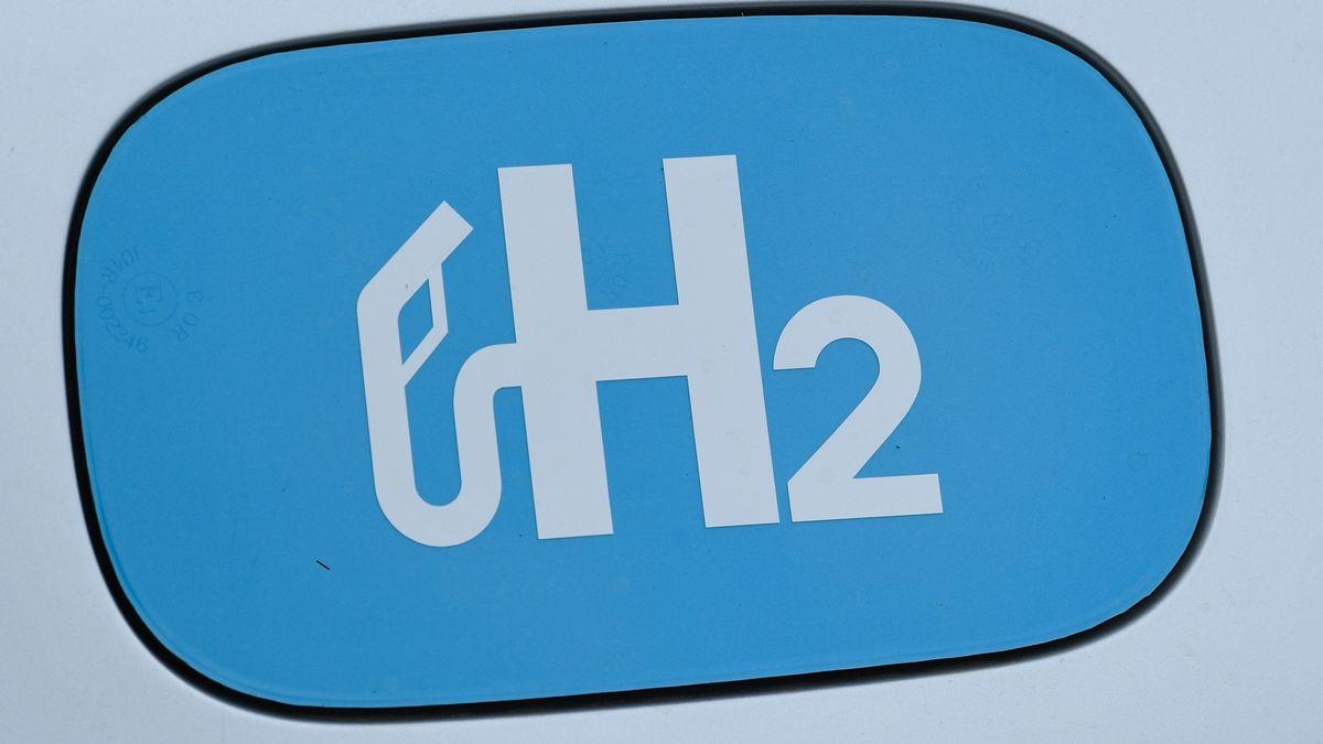 Schild mit der Formel für Wasserstoff H2