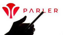 Die umstrittene App Parler darf wieder in den App Store   Bild:picture alliance / ZUMAPRESS.com   Thiago Prudencio