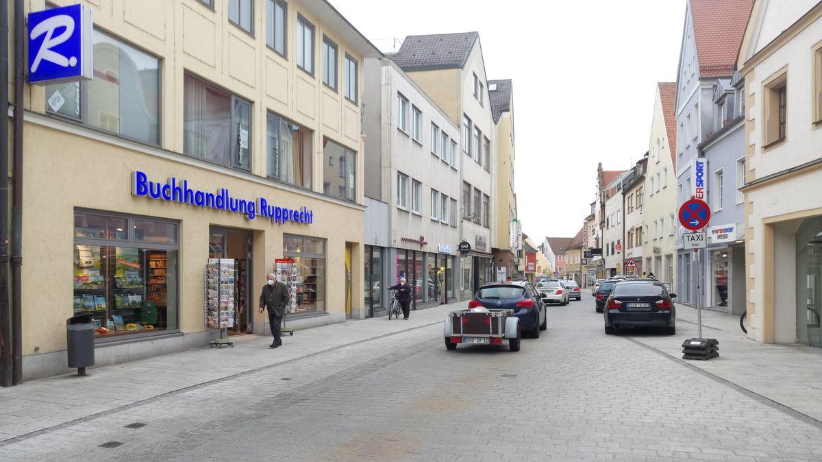 Die Friedrich-Ebert-Straße in Schwandorf